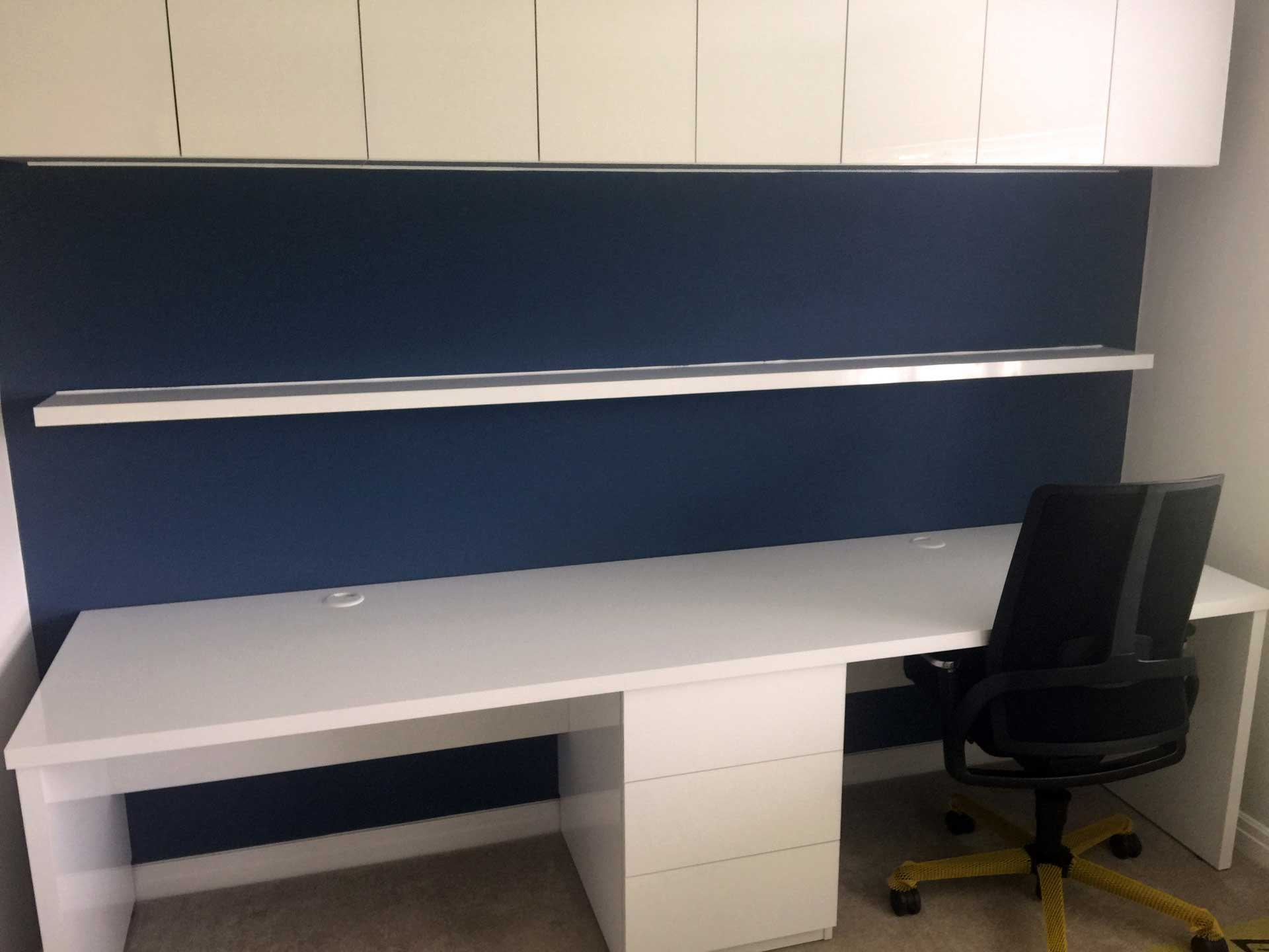 White Gloss Handleless Office Space Weaver Dane
